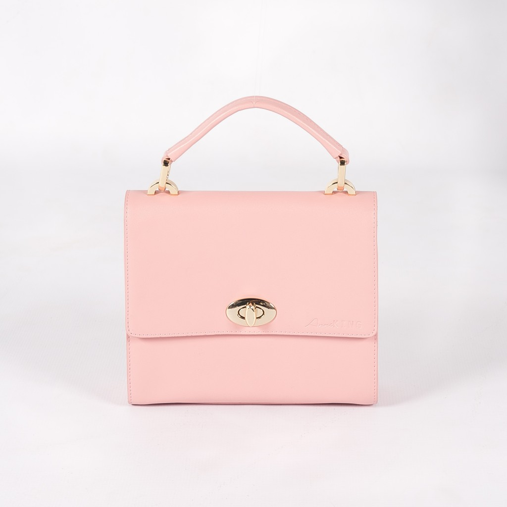 The cutie that is the Sweet Pea bag(R2250)