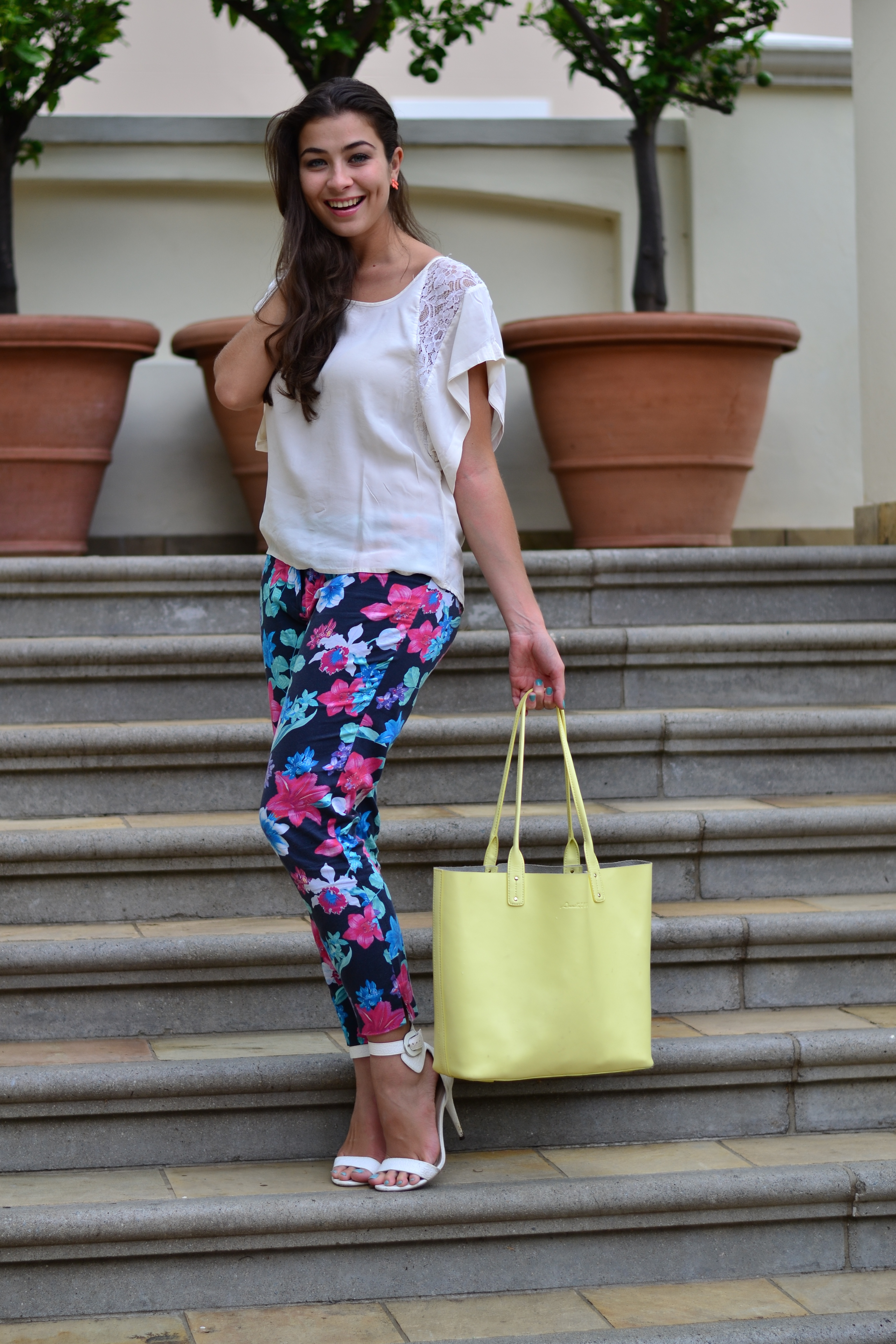 9972ef20e36 How to Wear a Blouse Stylishly - Top 18 Outfit Ideas to Wear .