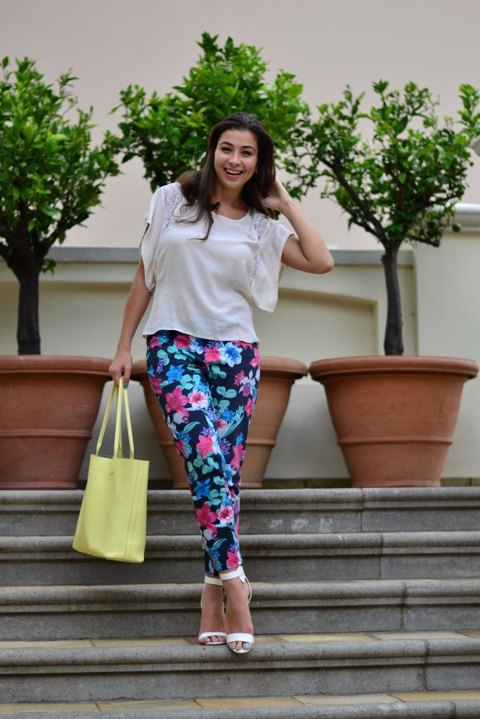 floral pants outfit ideas