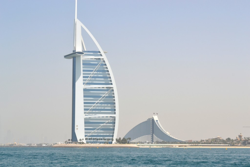 Burj al arab for Sail shaped hotel dubai