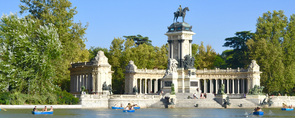 5 Reasons To Visit Madrid graphic
